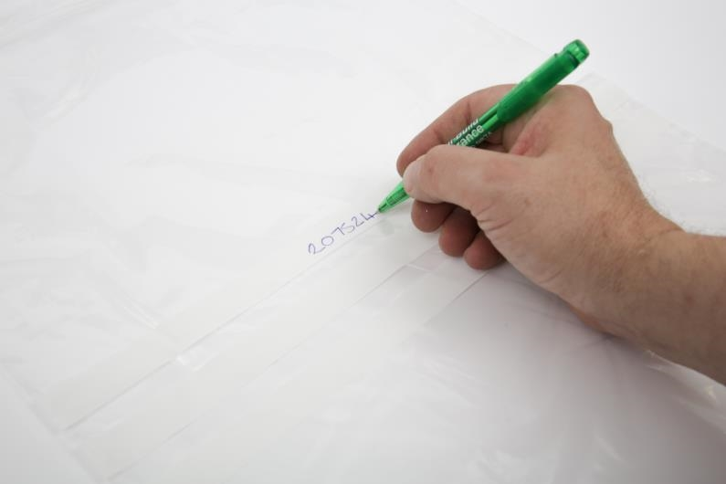 Polythene Grip Seal Bags with Write On Panels - Clear - 75x187mm - 4