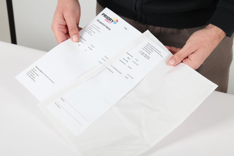 A4/C4 Document Enclosed Wallet - Clear - 3