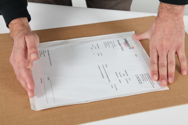 A4/C4 Document Enclosed Wallet - Clear - 5